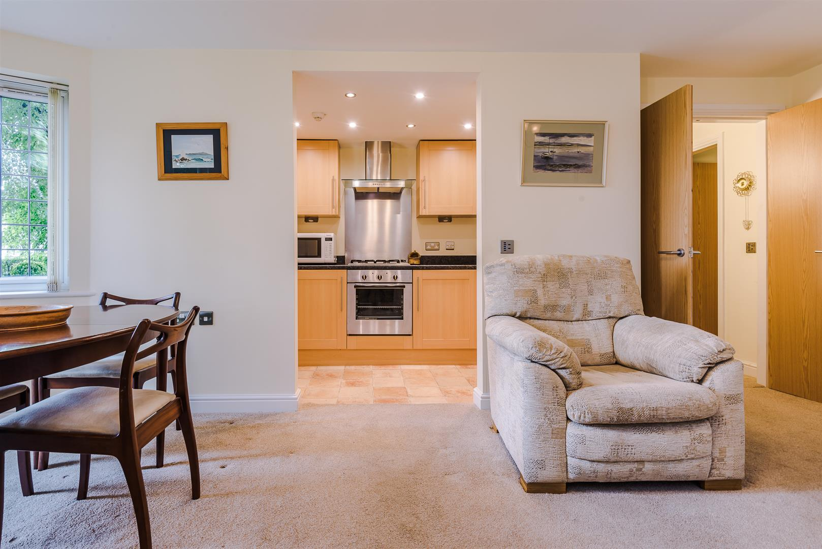 2 Bedroom Apartment Sale Agreed Image 3